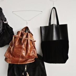 DIY : Hallway hooks - for your bags