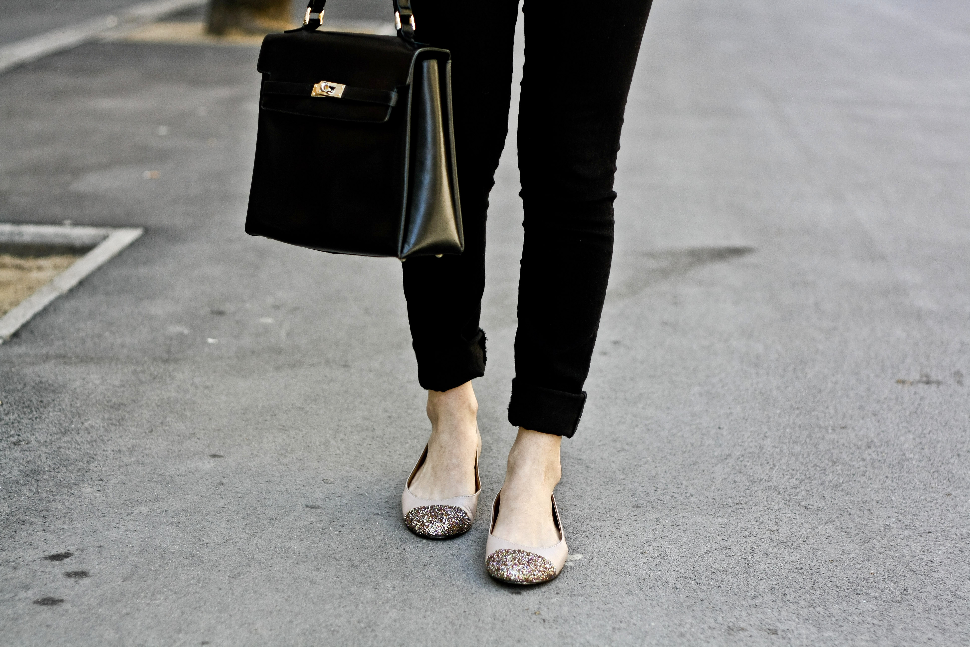 Outfit with black pants